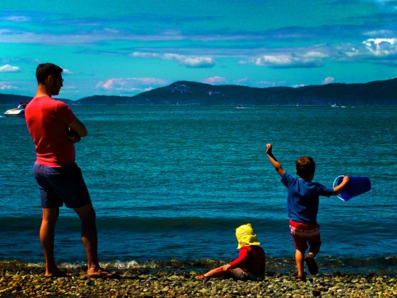Chris Taylor and Kids on Beach at Washington Park Anacortes 2