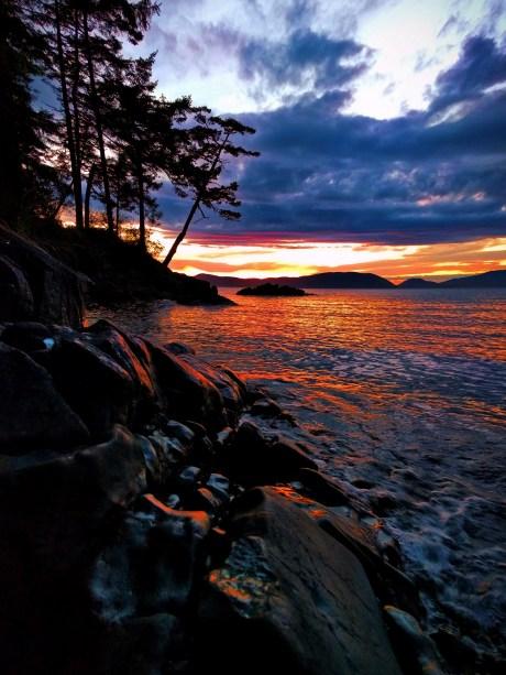 Sunset with rocks at Washington Park Anacortes 1