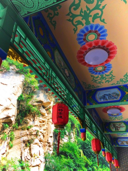 chinese-lanterns-at-huashan-national-park-1