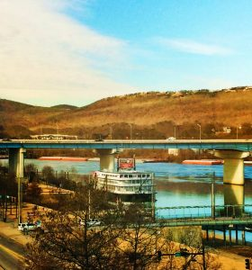Riverboat on Tennessee River from Aquarium 1