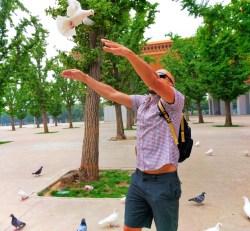 Rob Taylor and doves at Famen Templ Baoji China 6