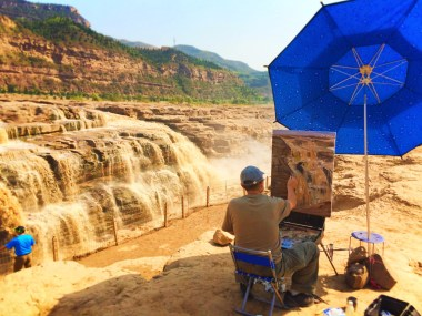 Artist Painting at Hukou Falls Shaanxi Province 2