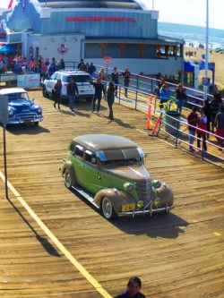Classic Cars driving on Santa Monica Pier 1