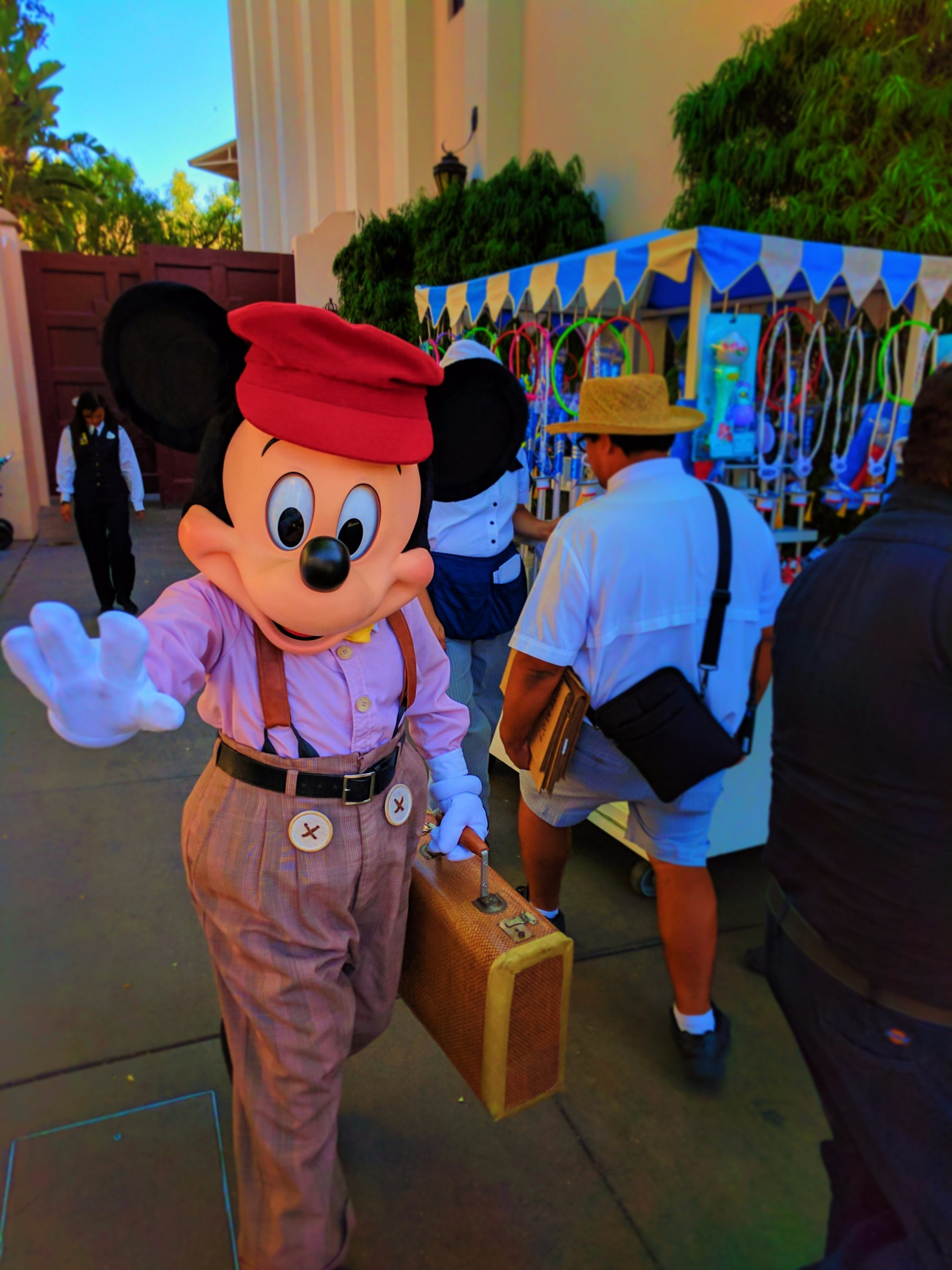 Mickey Mouse in Carthay Circle in Disneys California Adventure 1