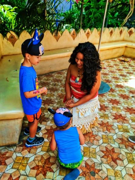 Taylor Kids meeting Moana in Adventureland Disneyland 2