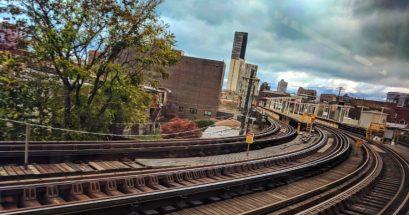 Curved Tracks Uptown Chicago from EL Platform 1