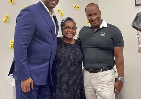 Magic Johnson visits Inglewood City Hall August 18. (Credit: City of Inglewood)