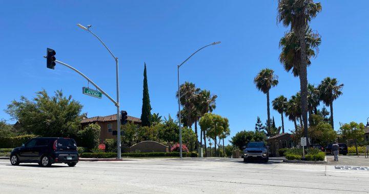 Pincay Drive entrance to gated community Renaissance. (Credit: 2UrbanGirls)