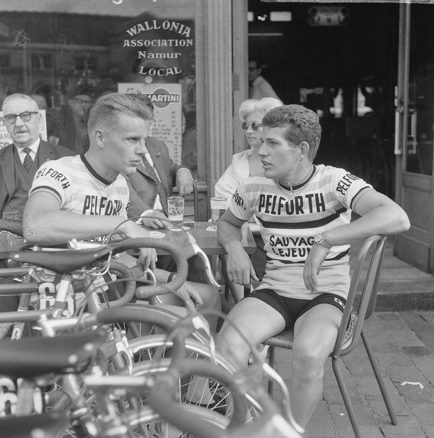 an_Janssen_and_Dick_Enthoven,_Tour_de_France_1963 2velo vintage cycling wonderland