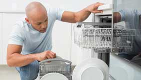 Man forced to load dishwasher like bomb-disposal expert to ...