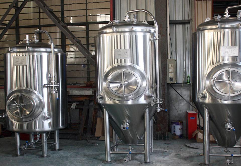 3 beer brewing stills