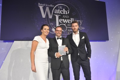 """two time winners of """"Jewellery E-tailer of the Year"""" at the prestigious UK JEWELLERY AWARDS"""