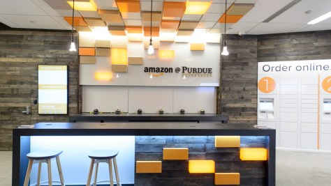 amazon_opens_physical_stores_on_college_campuses