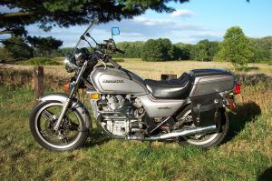 Honda's March to Perfect the 500 Twin: VT500C vs CXGL500C vs CB500T