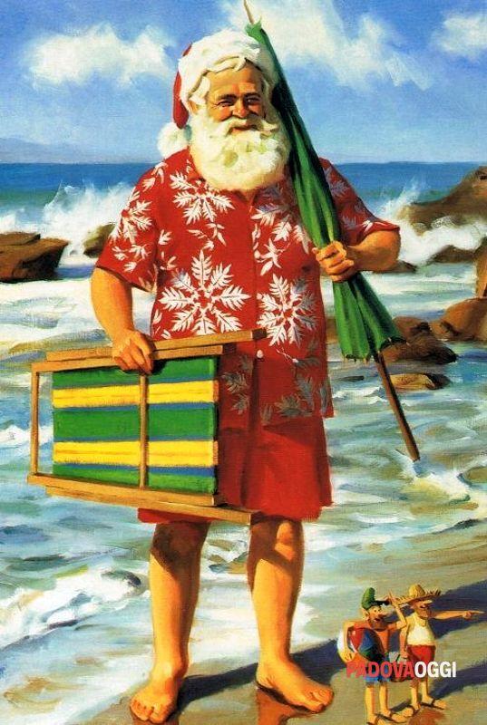 Babbo Natale In Costume Da Bagno In Vacanza Estiva A