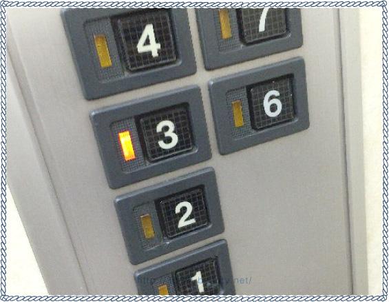 バイオテック名古屋のビルのエレベーター