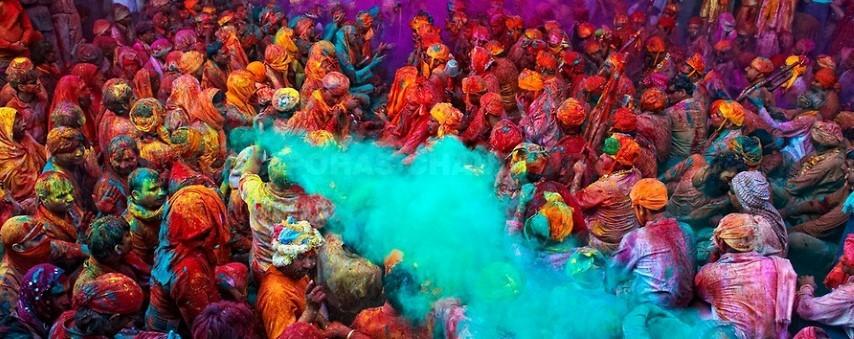 india-asia-Festival-Holi-festival-del-color-viajes-de-aventura-viajes-alternativos-turismo-responsable-viajes-en-grupo-viajar-en-grupo-viajar-sola-viajar-solo
