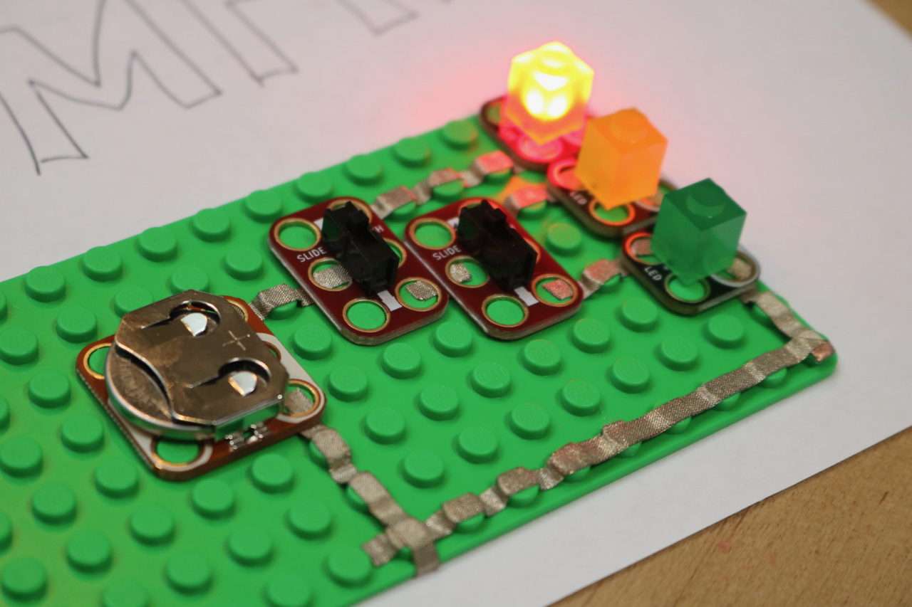 Electronics Project Sophies 3 Led Traffic Light Circuits And Projects Blog Circuit