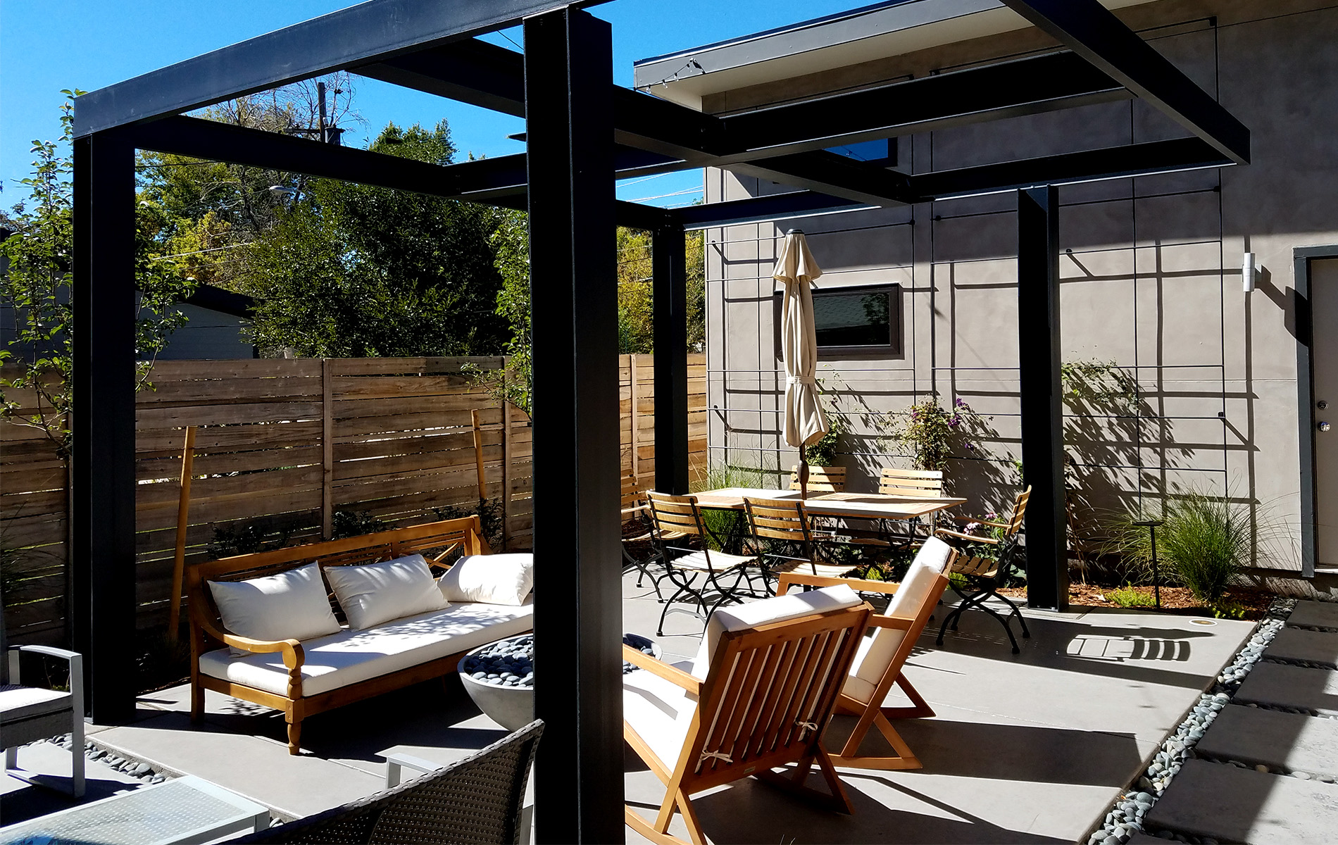 Ultra Modern Backyard Outdoor Living Area - Highlands ... on Outdoor Living And Landscapes id=98326