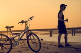 seoul_sunset_biker