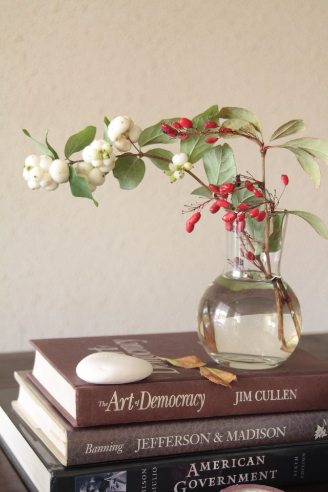 How to add small seasonal touches in your interior