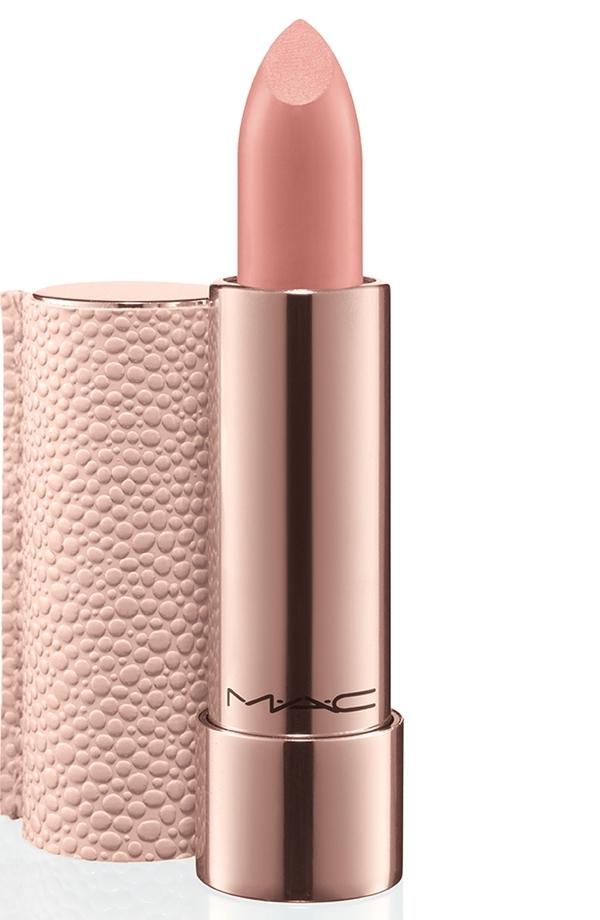 mac making pretty lipstick