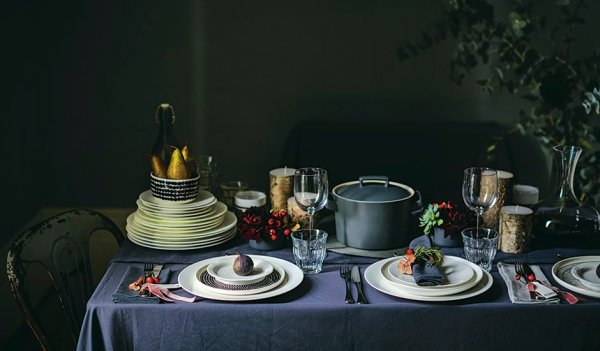 John Lewis: Christmas table setting light