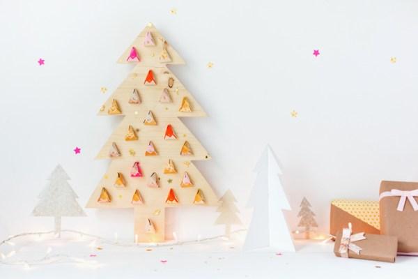 wooden_tree_advent_calendar_1