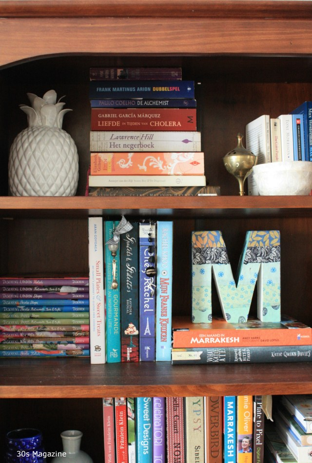 5 Tips how to organize your bookshelves