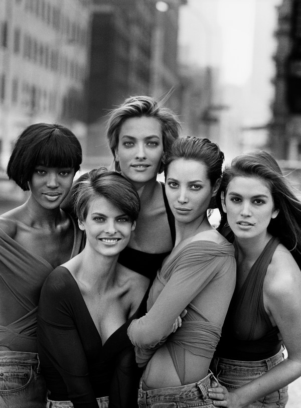 Naomi Campbell, Linda Evangelista, Tatjana Patitz, Christy Turlington & Cindy Crawford, New York, 1990 © Peter Lindbergh (Courtesy of Peter Lindbergh, Paris / Gagosian Gallery)