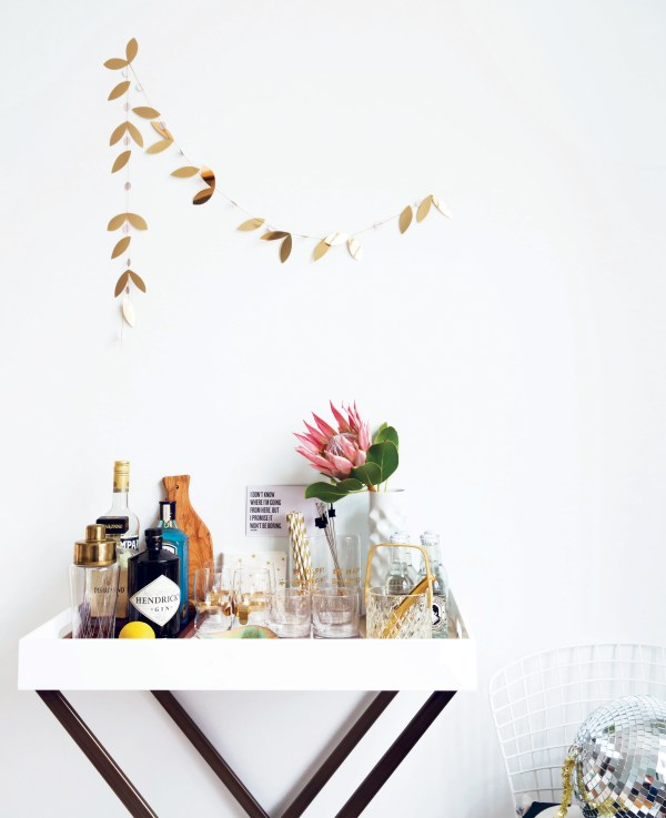 decorate-for-a-party-p61-photography-by-holly-becker