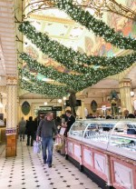 Christmas shopping in London by 30s Magazine-7722