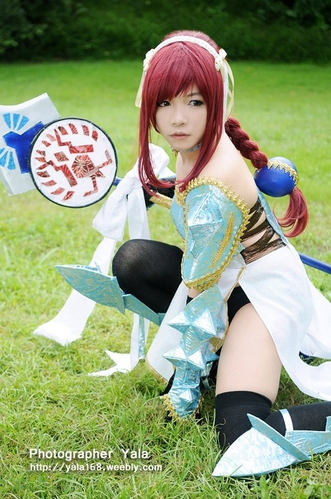 Erza Scarlet cosplay, Lightning Empress Armor from Fairy Tail by sieg