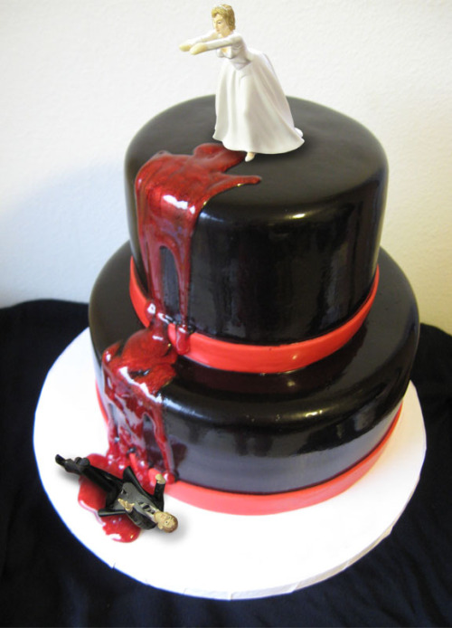 horrorpunk:</p> <p>Divorce Cake.</p> <p>ONLY MARRIED A YEAR.