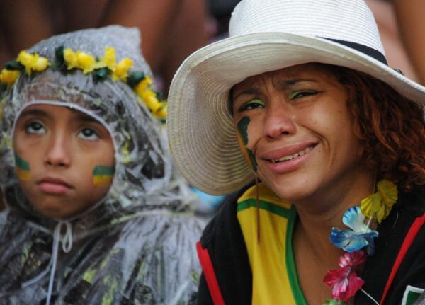Bilder von traurigen Brasilianern 'sad Brazilians'