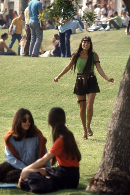 HIGH SCHOOL FASHION, 1969