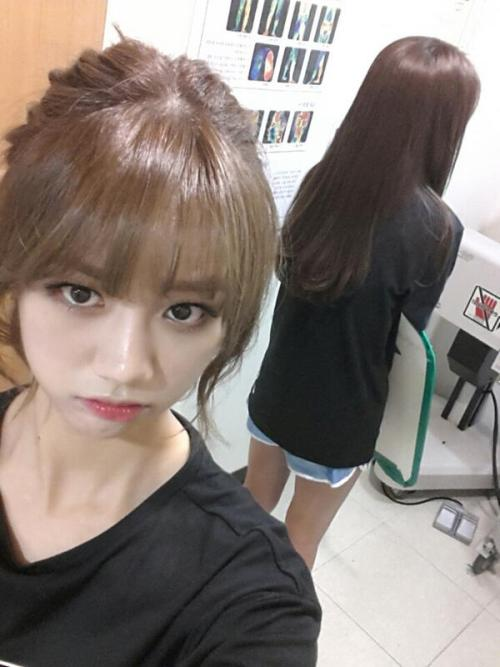 @Girls_Day_Hyeri:소진언니 따라서 병원왔어요.. 언니ㅠㅠㅠㅠㅠ  @Girls_Day_Hyeri:I followed Sojin unnie to the hospital.. Unnieㅠㅠㅠㅠㅠ  trans. cr: erica @ fyeahgsd - take out with full credits