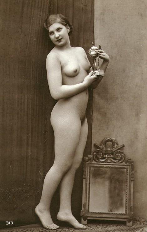 Oh so pretty vintage nude. Sigh.