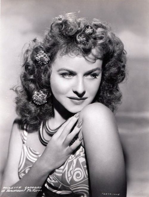 screengoddess:  Paulette Goddard  Paulette Goddard. Wow.