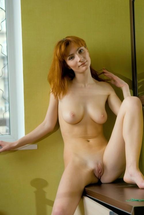 Mom walks nude images