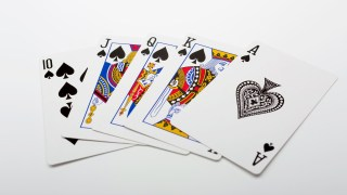 交渉術はポーカーフェイスで勝ち取れ!