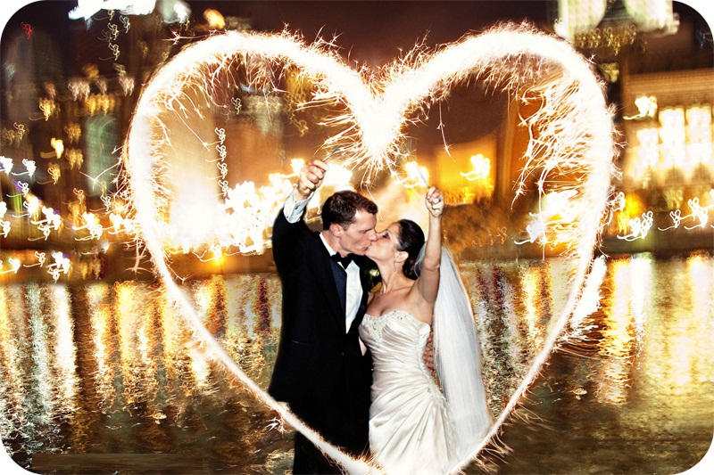How To Pull Off A Missouri Wedding Sparkler Send-Off - Our TOP Hints ...