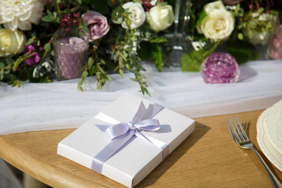 Como organizar los detalles de boda para los invitados