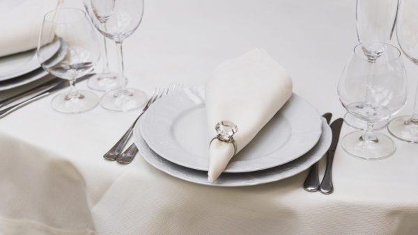 Conoces el protocolo de los cubiertos en las bodas fotomaton alquiler teruel zaragoza