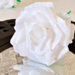 Róża z bibuły krok po kroku