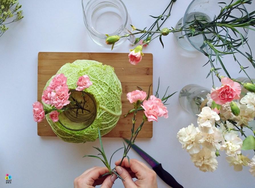wazon z kapusty; dekoracja na stół