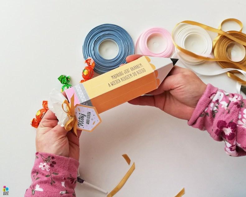 ołówek rożek obfitości dla nauczyciela i dla ucznia