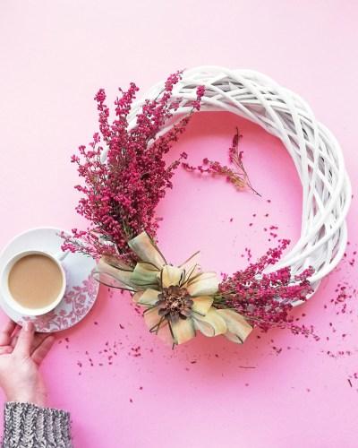 Dekoracja z wrzosu - jesienny wianek z wrzosu