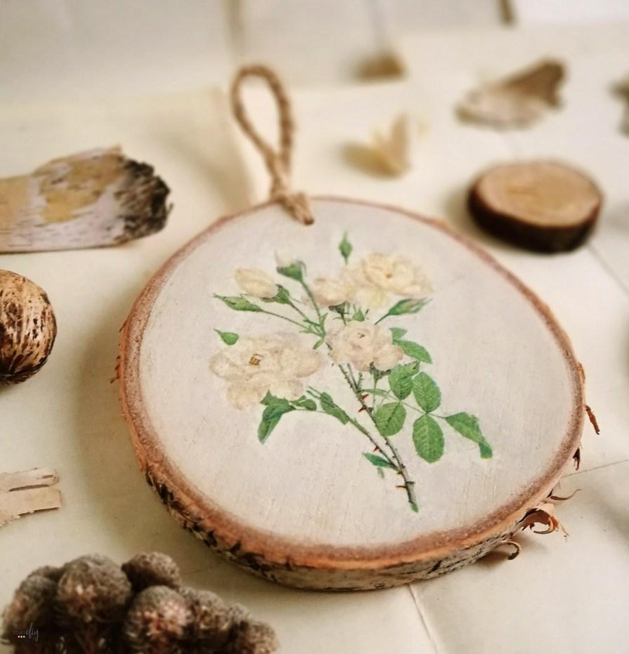 Botaniczne obrazki - ozdoby z plastrów drewna