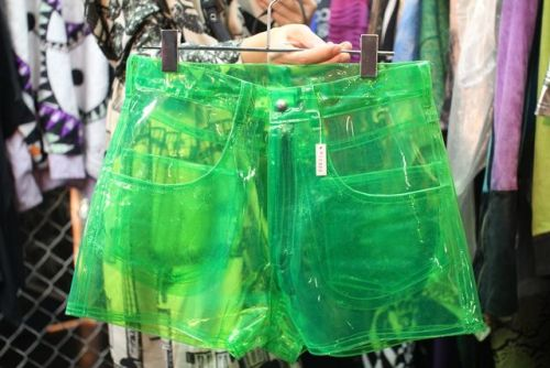 taerection: groupinou: i-am-a-tree-and-some-moss: groupinou: schol: They would see your undies Thats not the point WhTs the point Green plastic shorts